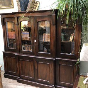 Kolonaki Antiques Interior Antwerp